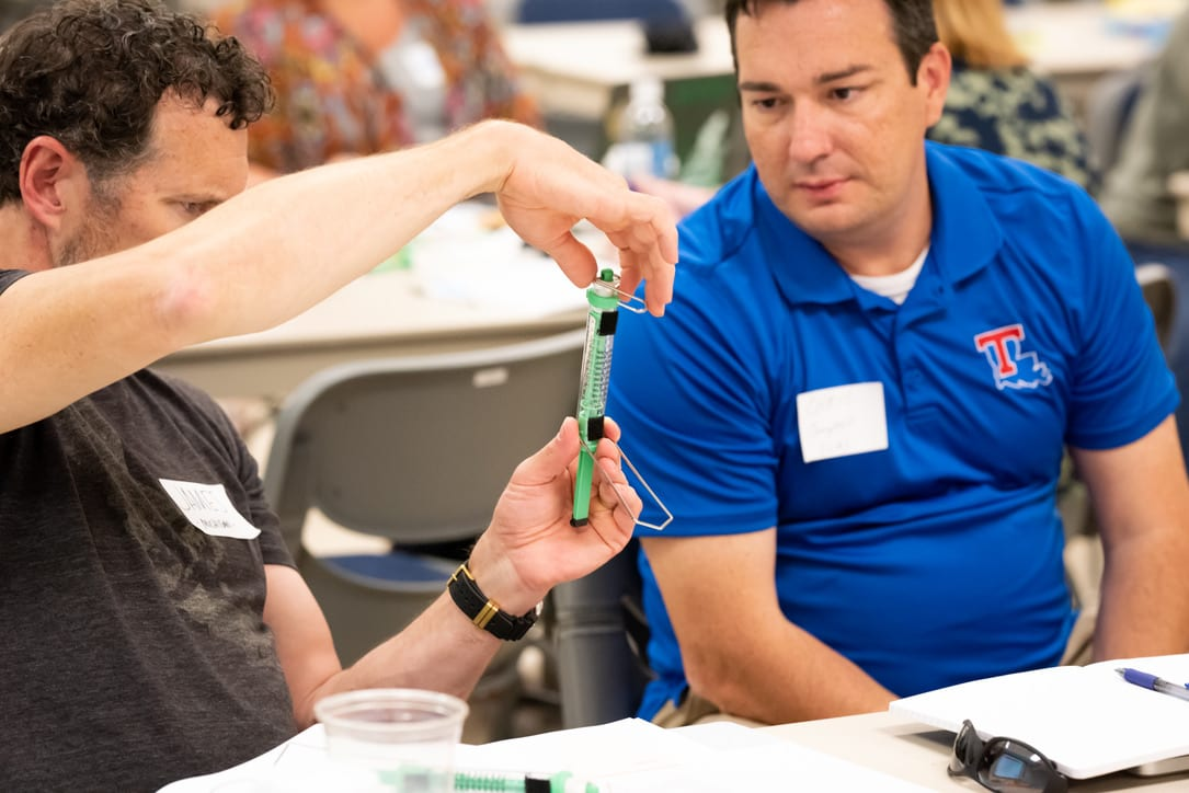 Teachers trying out a lab investigation